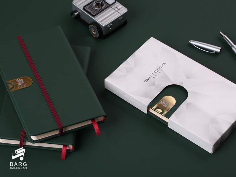 سررسید اروپایی چرم رسام - کش دار با جعبه - سررسید 98 واحد سالنامه برگ